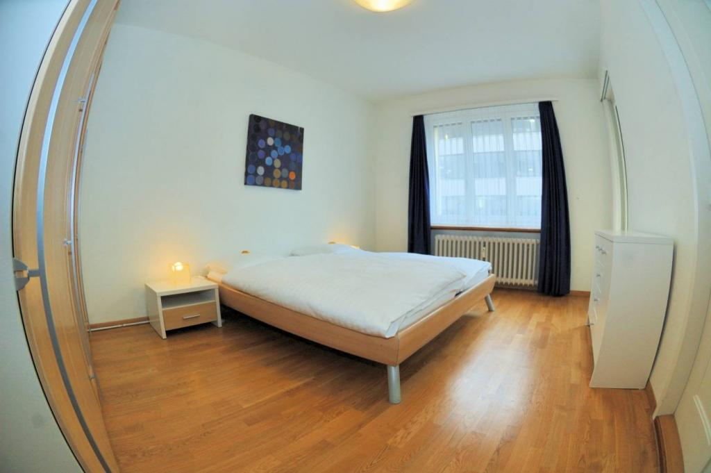2 Room Apartment To rent at Mühlebachstrasse, 30 in Zürich - 8 Photos