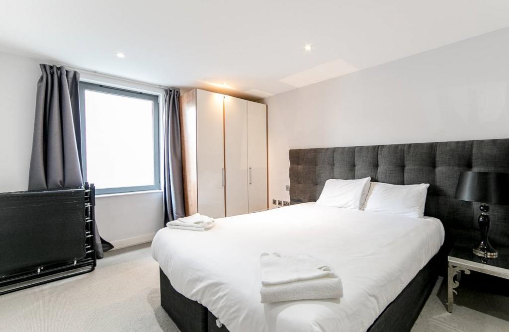 2 Room Apartment To rent in Zürich - 2 Photos