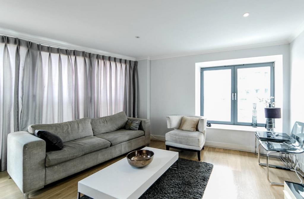 2 Room Apartment To rent in Zürich - 4 Photos