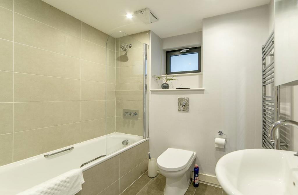 2 Room Apartment To rent in Zürich - 6 Photos