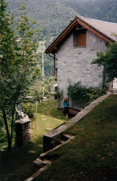 Detached House For Sale in Poschiavo - 2 Photos