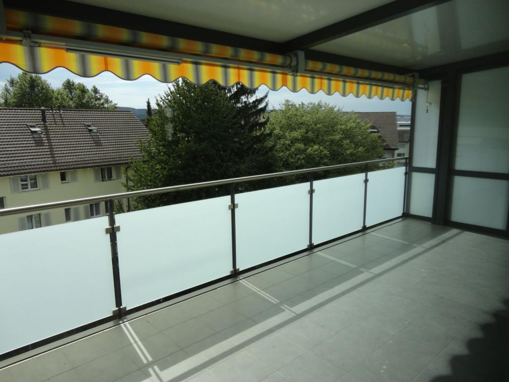 2 Room Apartment To rent at Kornstrasse, 3 in Schwerzenbach - 2 Photos