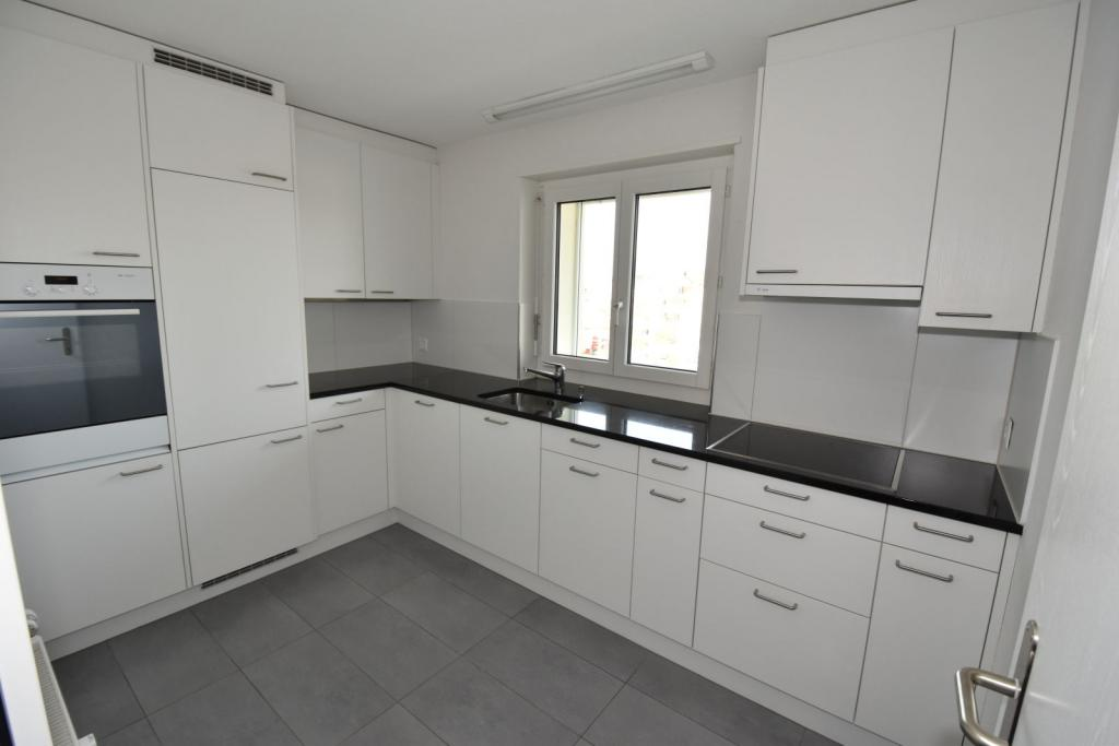 2 Room Apartment To rent at Kornstrasse, 3 in Schwerzenbach - 4 Photos